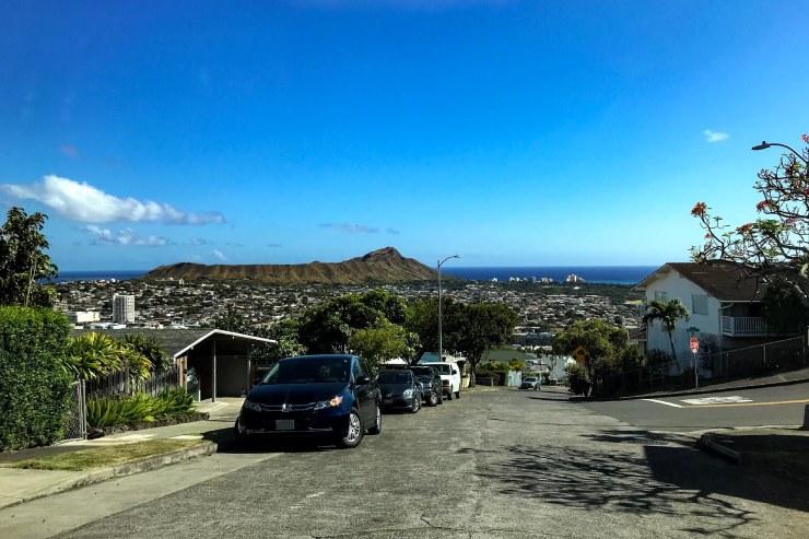 美しいハワイの街や海を一望!坂道から見える絶景