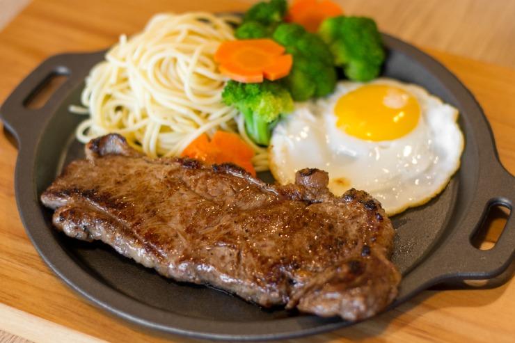 コスパ抜群!台湾風ステーキ店がカリヒにオープン