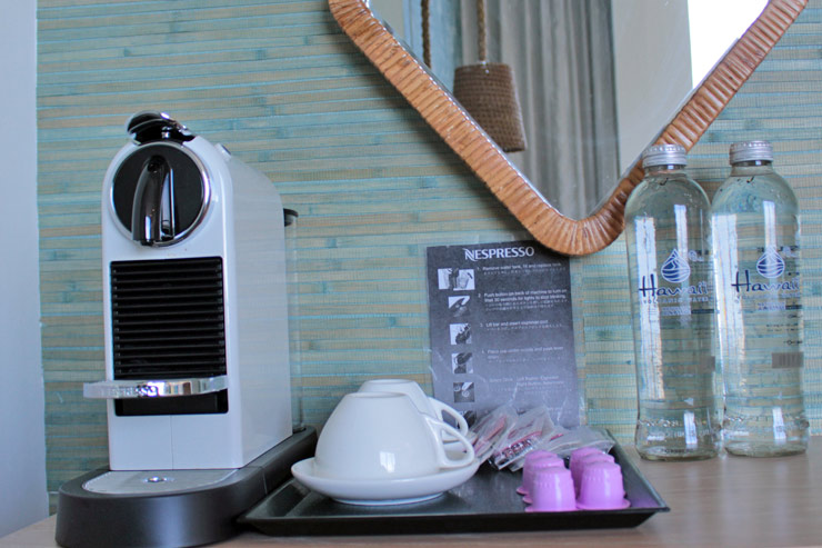ボタンひとつで美味しいコーヒーが飲めるネスプレッソも完備