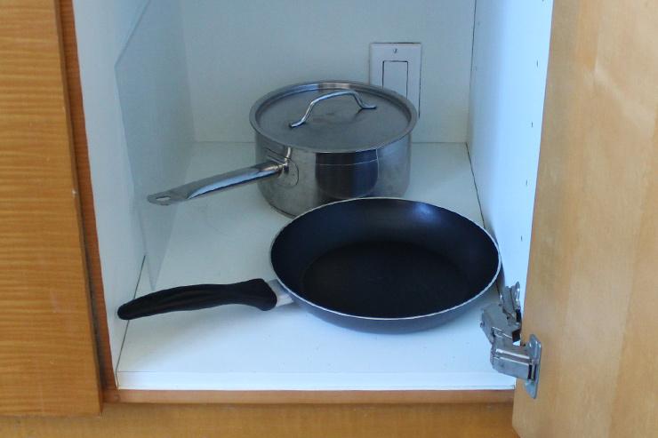フライパンや鍋など調理器具もそろう