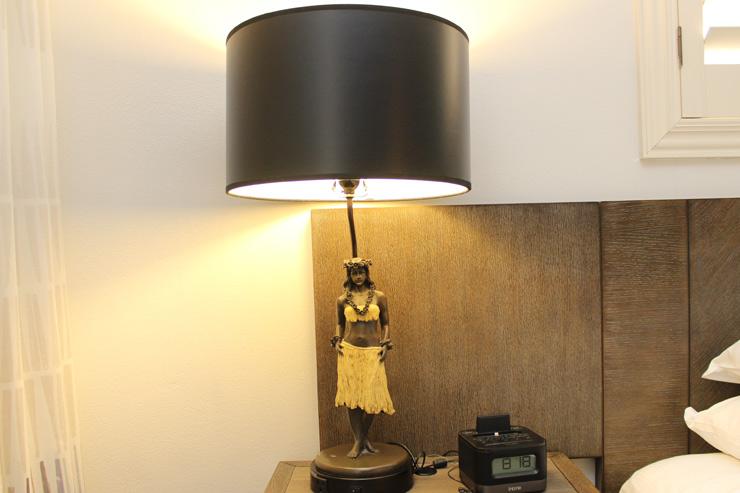 キュートなフラガールのナイトランプ