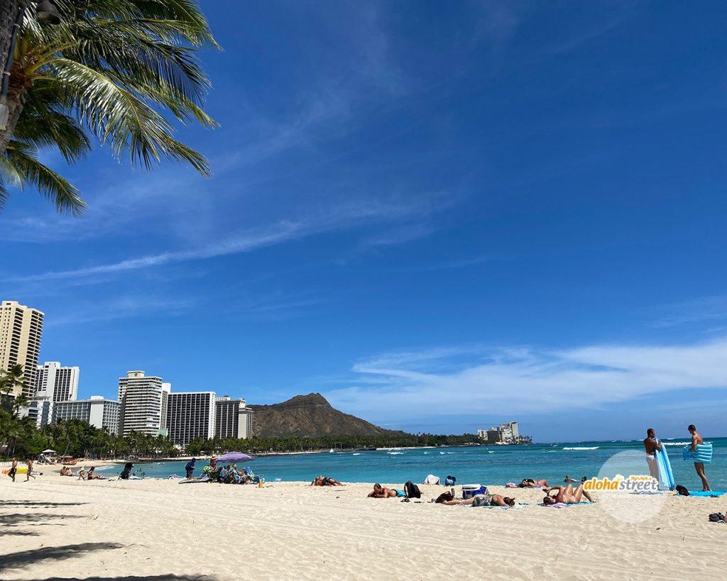 日光浴したくなるハワイのビーチ